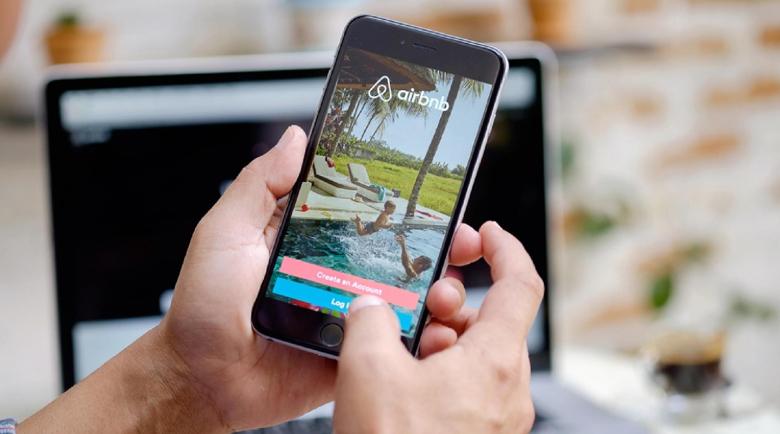 Airbnb осигурява квартири за медиците на първа линия в Гърция