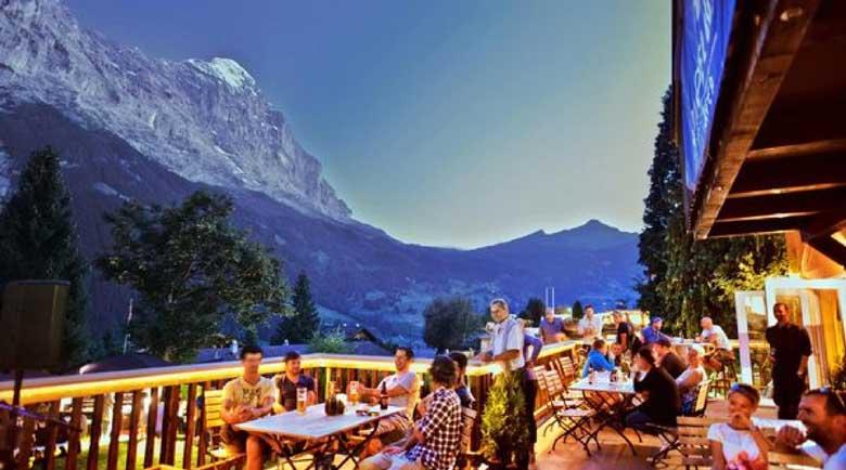Швейцария: Кръчми, ресторанти и билиотеки отварят на 11 май