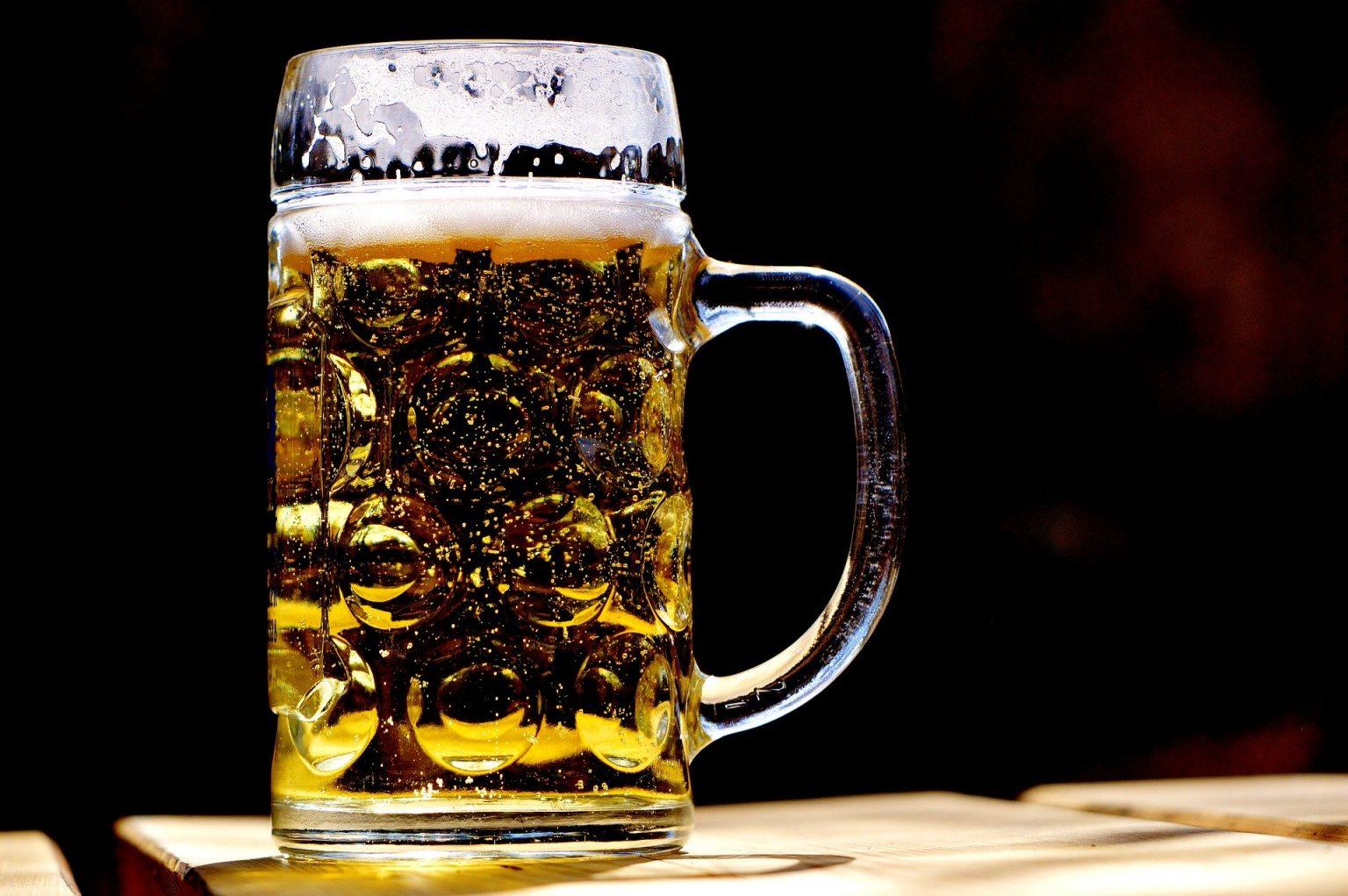 Заради коронавируса: Българите спряха да пият и бира