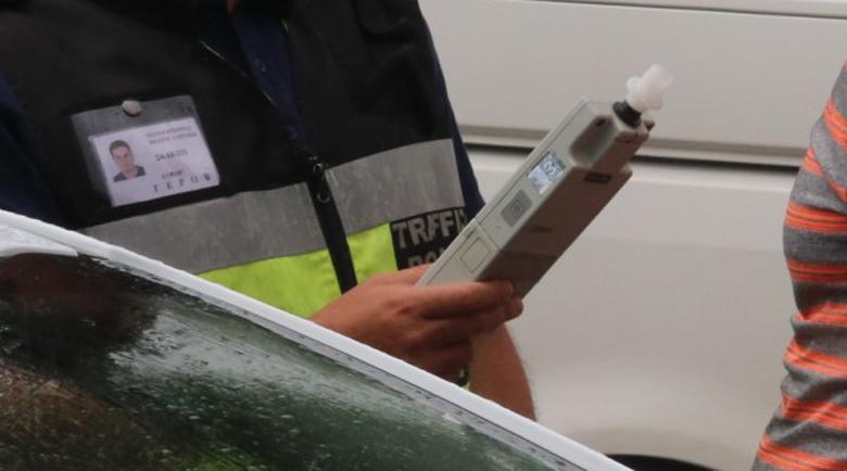 Жив терорист на пътя! Арестуваха пияна шофьорка с 4,7 промила алкохол