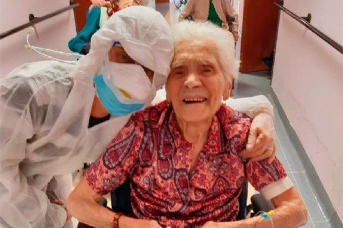 След две преживени световни войни – 104-годишна италианка преживя и COVID-19
