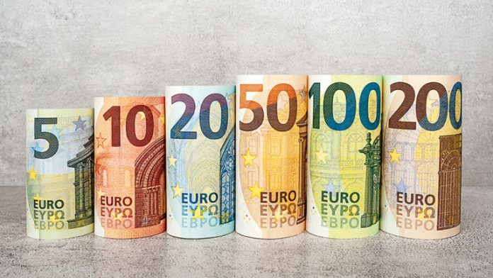 Около 1 млн. работници в Гърция с бонус за Великден