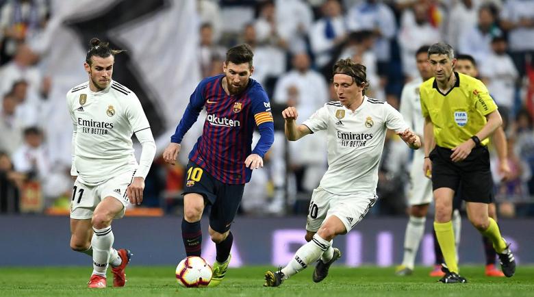 Без футбол в Испания поне до юни, и то на празни стадиони?