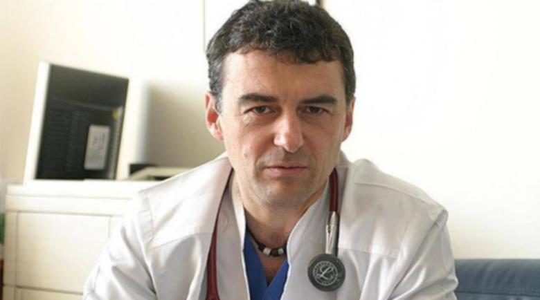 800 родни доктори борят COVID-19 с лекарството за краста