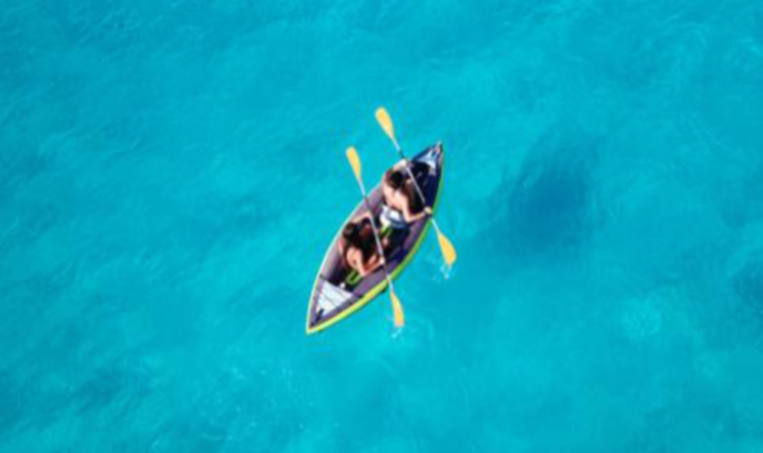 Внучката на Робърт Кенеди изчезна с кану в Атлантическия океан