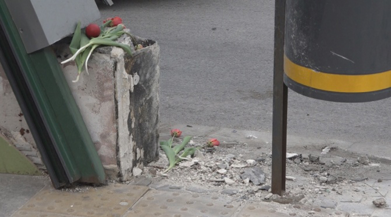 Цветя на лобното място на Милен Цветков