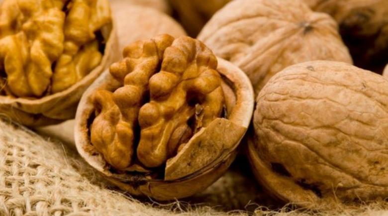 Кора от орехово дърво топи бучки на щитовидната жлеза