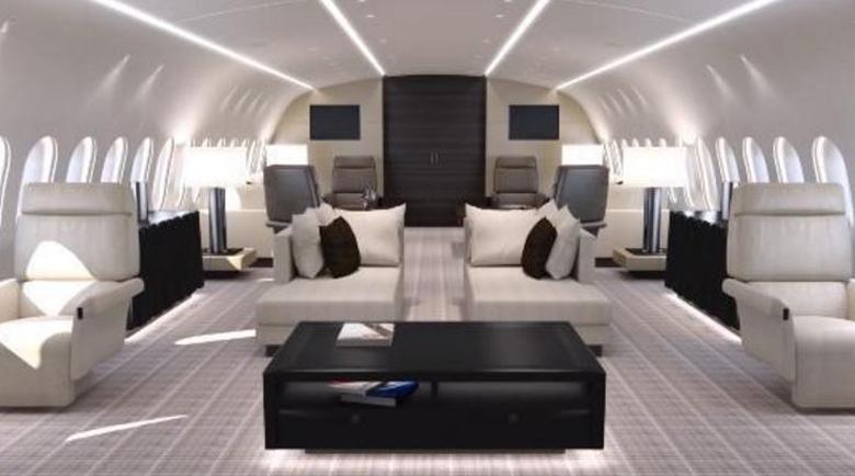 """Корона"" оргия на самолет, пълен с милионери и елитни проститутки"