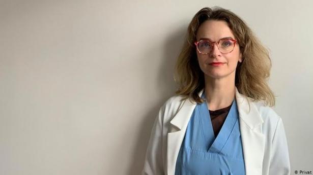 Българка лекарка в Испания: Страх ме е да отида на работа