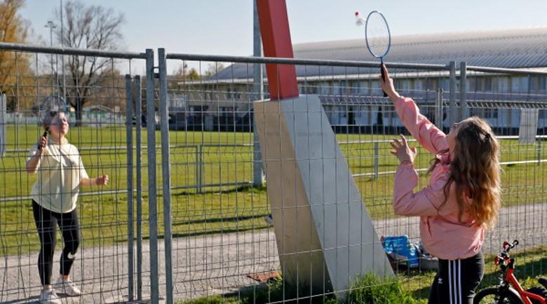 В Германия готвят отваряне на училища, постепенно и на театри