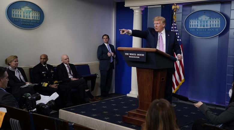 Тръмп повече от сигурен: По-малко от 100 000 ще загинат в САЩ