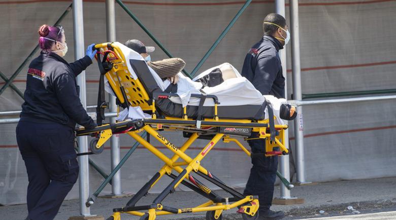 2569 смъртни случая от COVID-19 за денонощие в САЩ