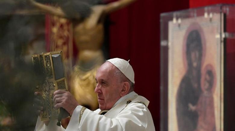 Папата обяви 2021-ва година като година на семейството