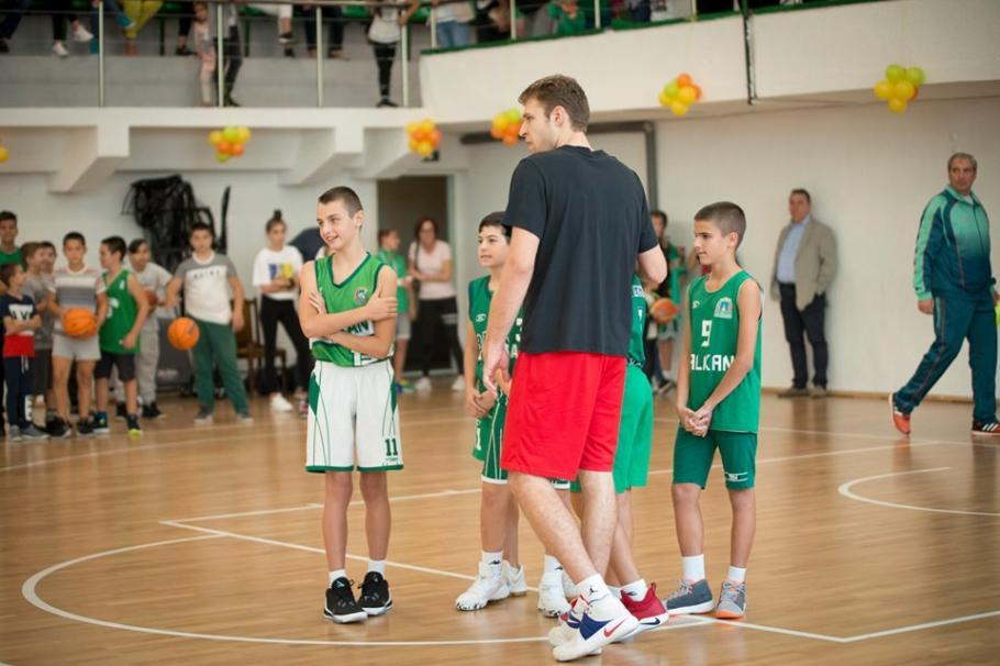 """Везенков избра """"Балкан"""" за е-баскет лигата"""