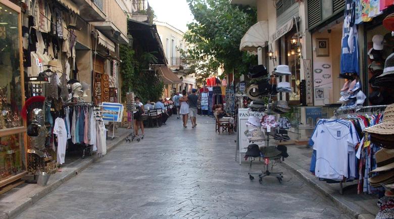 83% от магазините в Атина на загуба в седмицата след отварянето