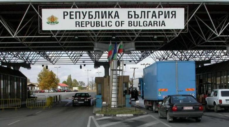 Тръгват рейсовете до Гърция и Сърбия, Турция отваря границите