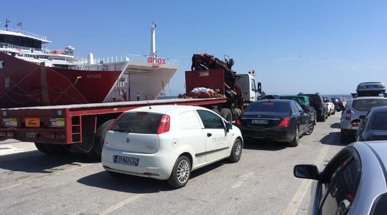 От утре Гърция възобновява фериботните връзки с островите