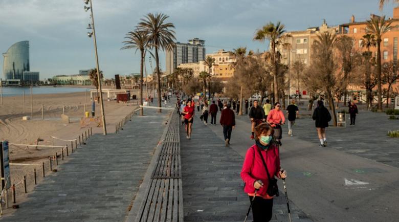 Испания планира да държи границите си затворени до юли
