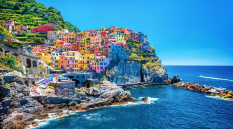 Бедните семейства в Италия ще получат €500 за лятна ваканция