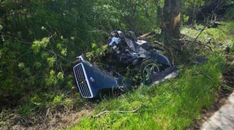 30-годишен шофьор загина при удар в дърво