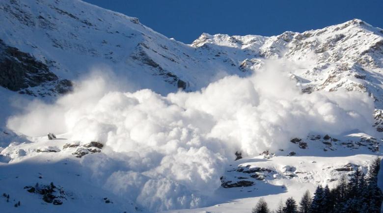 Скиор загина при лавина в Северна Италия