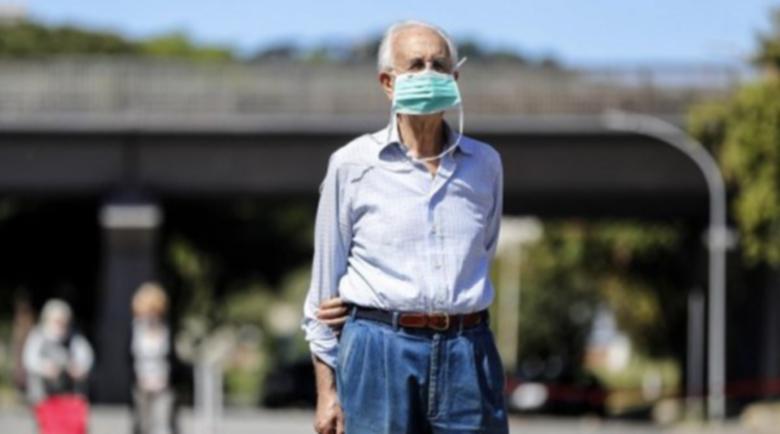 Лекари молят Борис Джонсън да не затваря хората над 70 г.