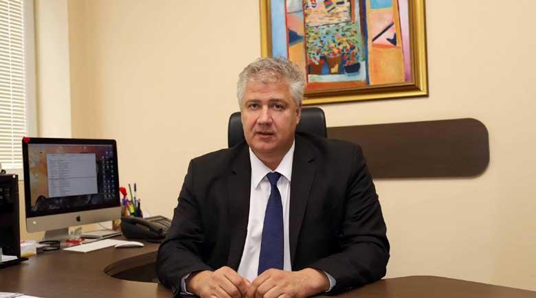 Проф. Балтов: Болниците ще се претоварят при приема на 100 души на ден