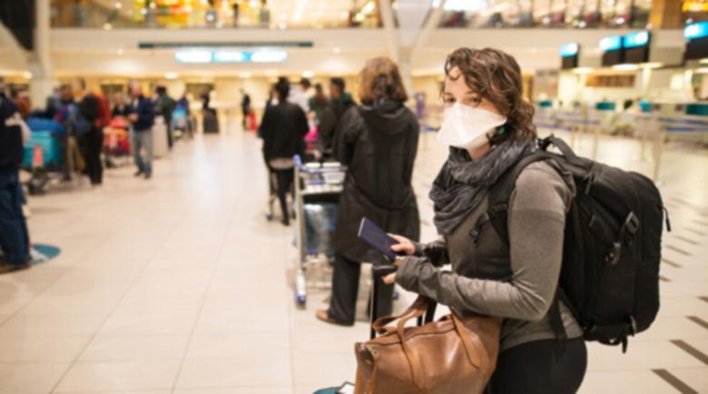 Хаос по UK летищата, нашенци презаверяват билети с нови дати