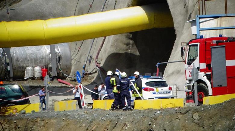"""Затрупаните в тунела """"Железница"""" оцеляха благодарение на колегите си"""