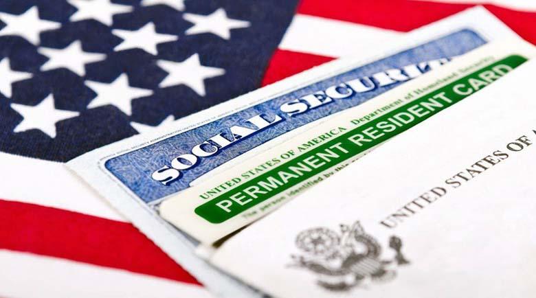 Спряха издаването на зелени карти и за хора, които са вече в САЩ