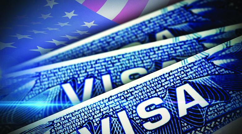 Издаването на визи и зелени карти ще забуксува заради масови съкращения