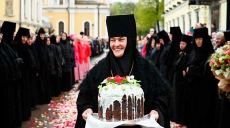 Руска монахиня хвърчи с S-Klasse за €120 хиляди