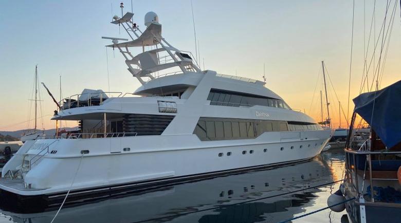 Вижте яхтата на криптокралицата Ружа Игнатова