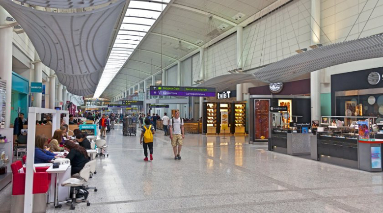 Тревога на летището в Торонто заради бомба