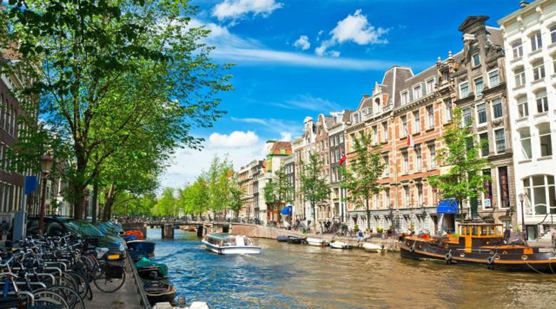 Учени алармират: Амстердам потъва неспасяемо