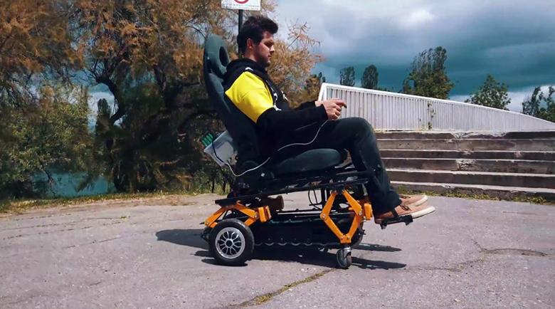 От българин: Инвалидна количка изкачва стълби с лекота