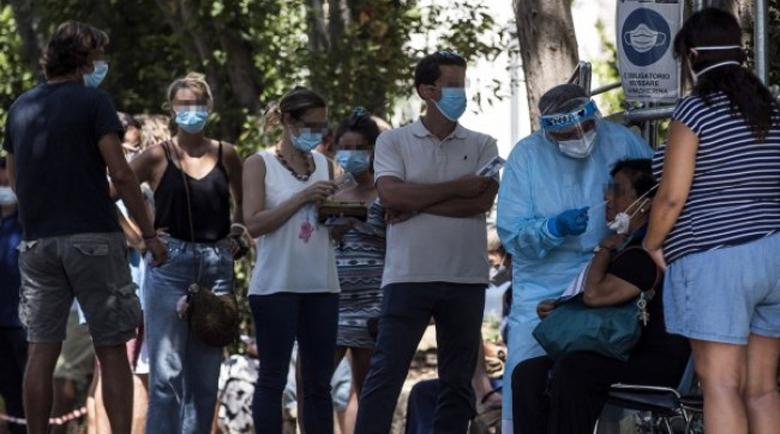 Италия няма да връща изолацията въпреки скока на болните