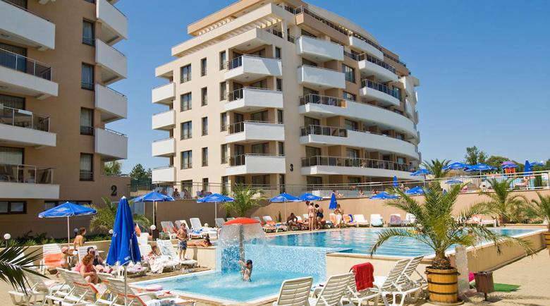 Хотелите в Приморско и Царево пълни, въпреки COVID-19