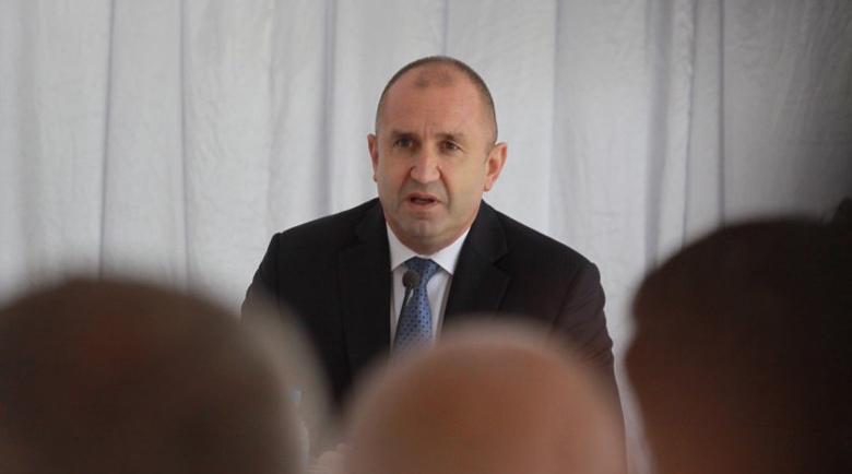 Президентът: Авторитарното управление върна България в зората на прехода