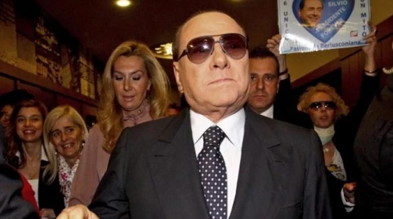 Син, дъщеря и гадже на Берлускони също заразени с коронавирус