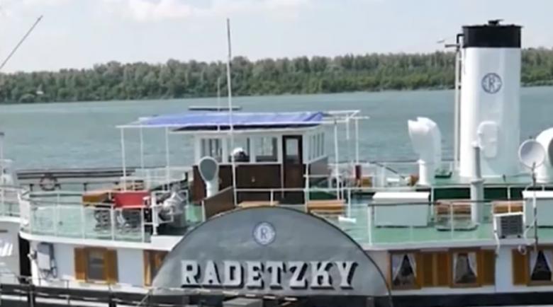 """Корабът """"Радецки"""" отново посреща туристи напълно реновиран"""