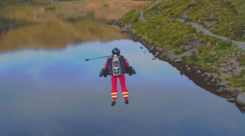 """Изумително! """"Бърза помощ"""" в Англия идва с летящи костюми"""