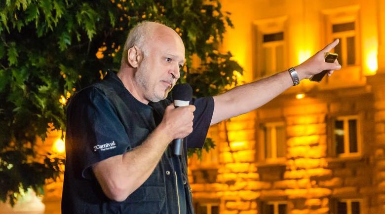 Проф. Минеков се оттегля като водач на протестите, обиден е