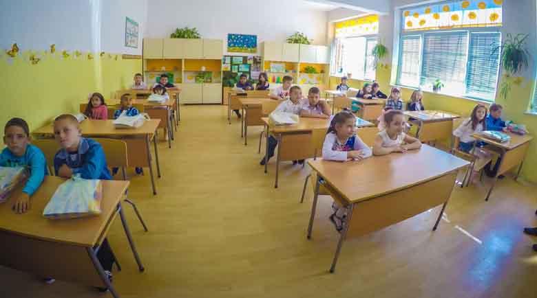 Искат от родители 1200 лева за пречиствател на въздуха в школото