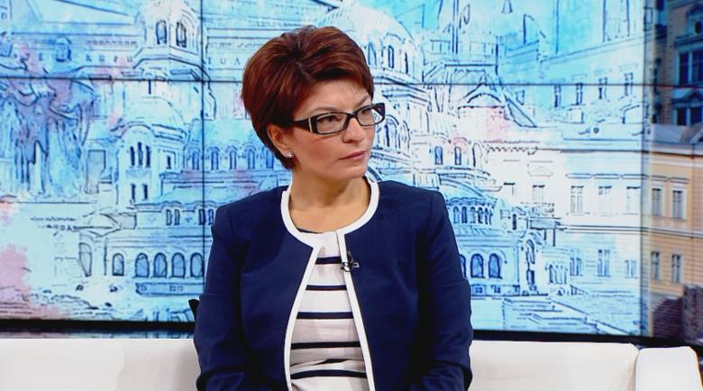 Десислава Атанасова: Рашков държи сатрапски език в парламента