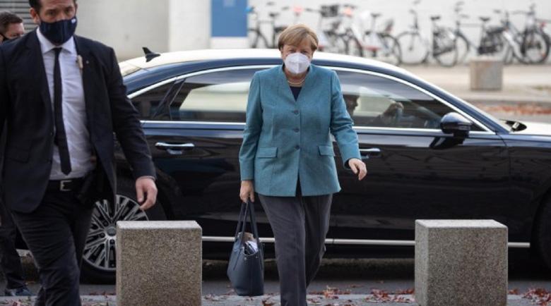 Меркел критикува липсата на дисциплина в Германия