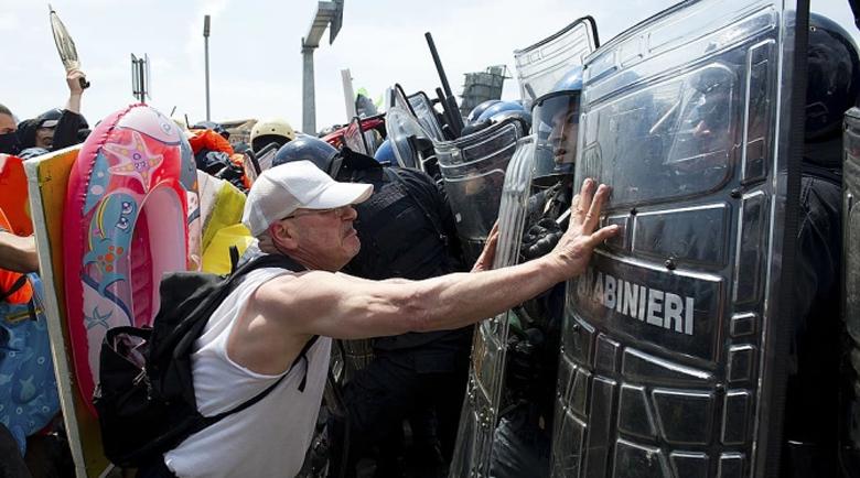 Недоволство и сблъсъци в Рим заради противоепидемичните мерки