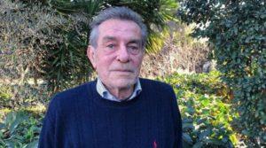 Наследникът на Карло Вакаро гледа животни в полето до Рим