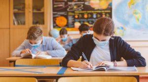 Искат спиране на занятията за учениците от 5-и до 12-и клас
