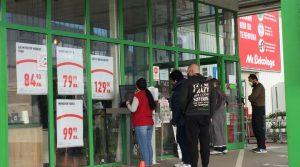 След повторното затваряне: Големи магазини се спасяват със свита търговска площ